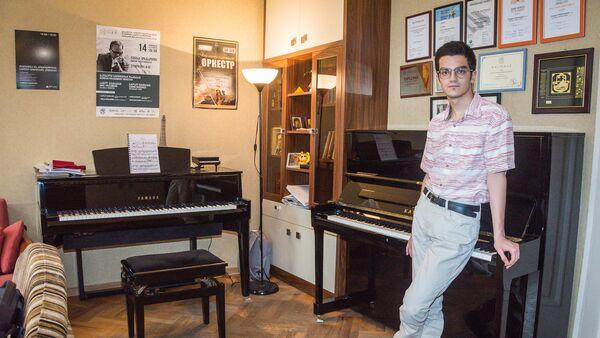 Пианист Сандро Небиеридзе - Sputnik Грузия