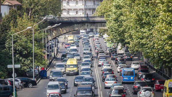 Движение в час пик на улице в Тбилиси - Sputnik Грузия