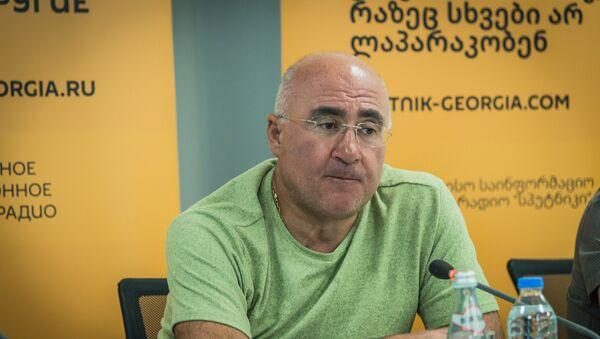 В Грузии телеканалы на первом месте: мнение эксперта - Sputnik Грузия