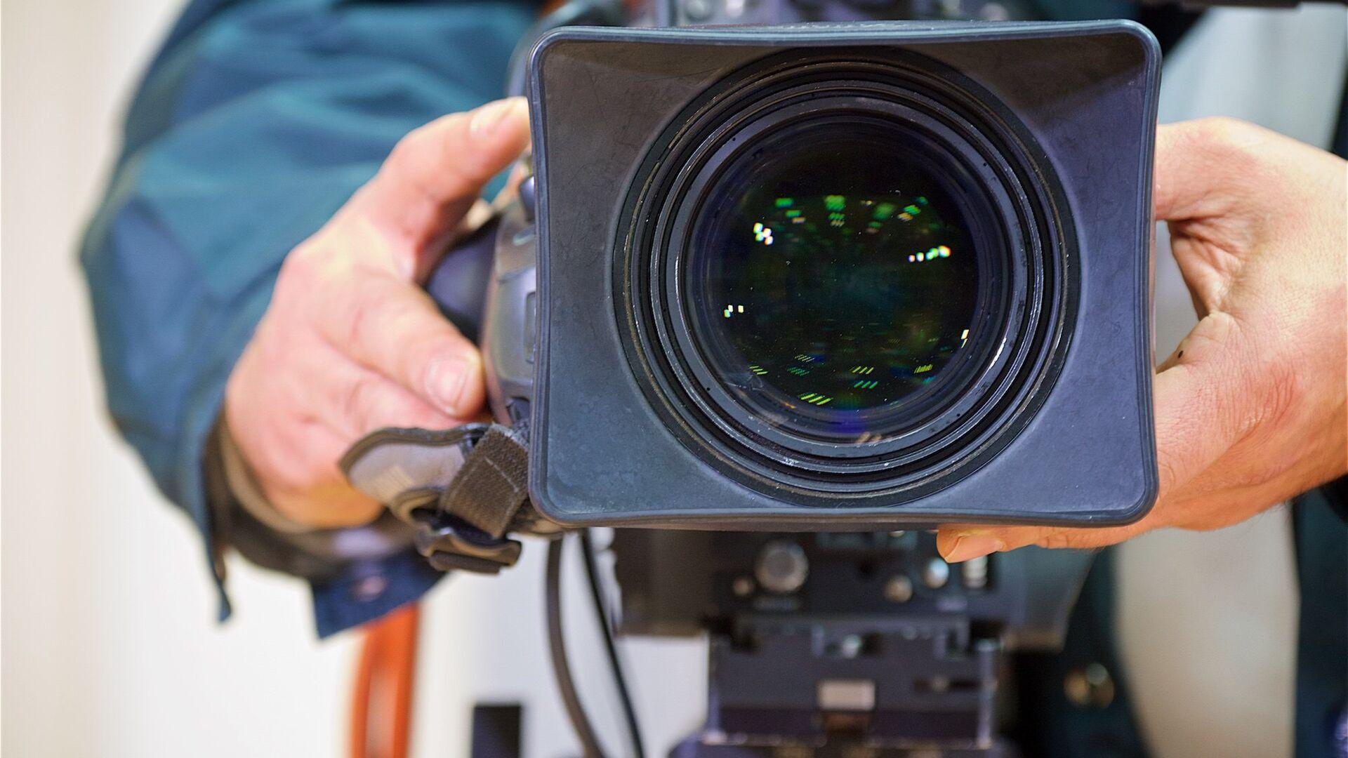 Телевизионная камера прямой трансляции ПТС - Sputnik Грузия, 1920, 29.03.2021