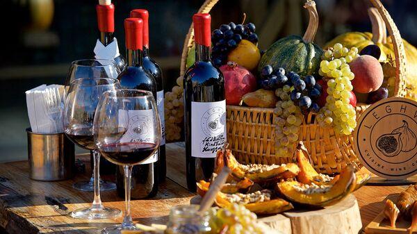 ქართული ღვინო, ტკბილეულობა და ყურძენი - Sputnik საქართველო