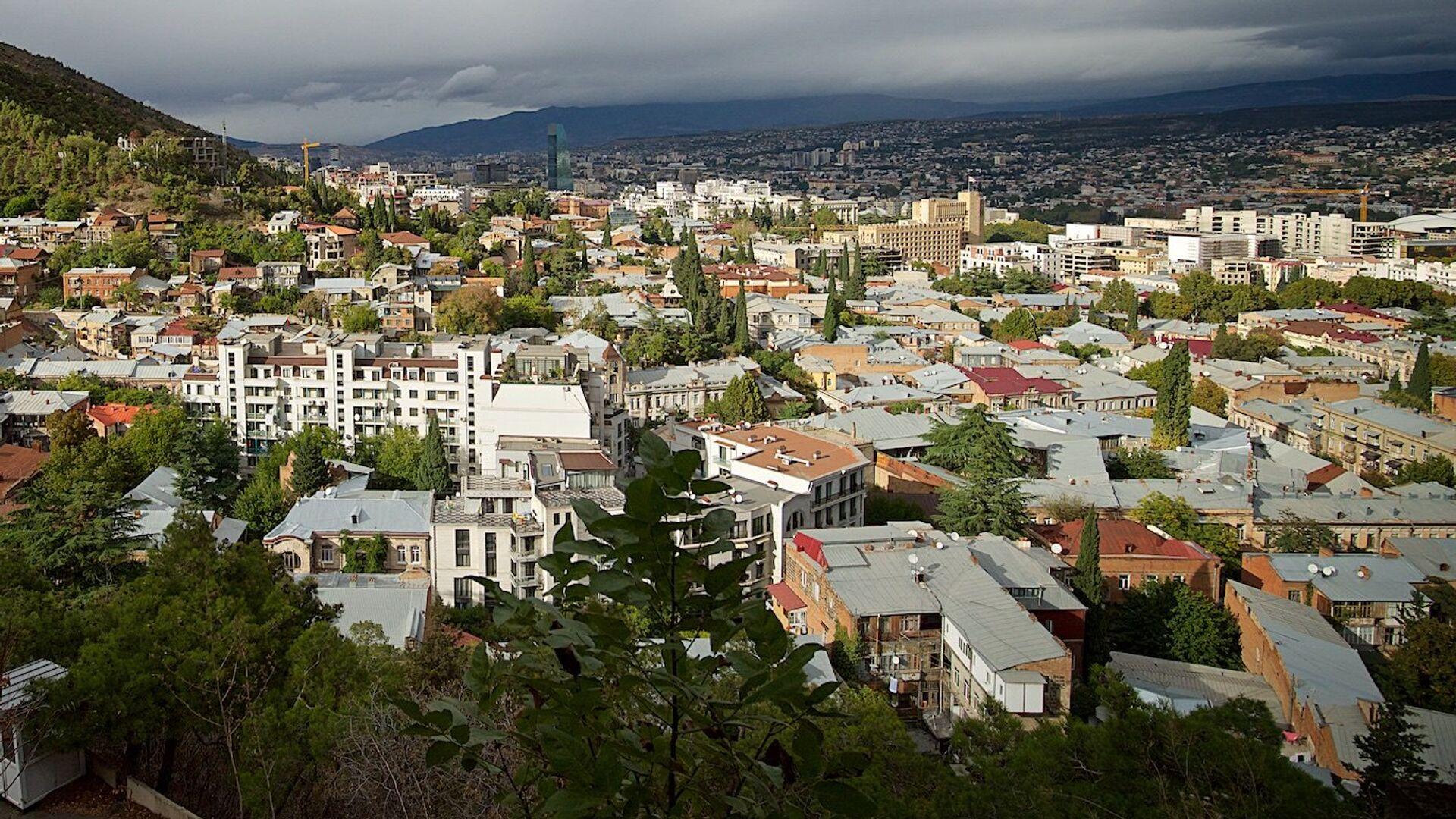 Вид на город Тбилиси днем в октябре - Sputnik Грузия, 1920, 03.09.2021