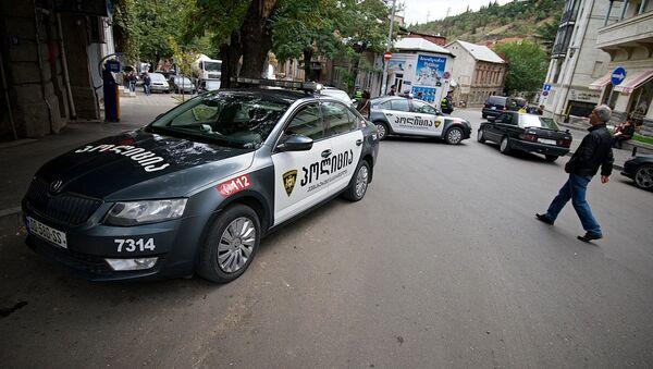 Патрульная полиция в районе Сололаки - Sputnik Грузия