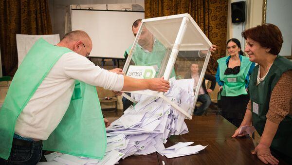 Подсчет голосов на выборах в местные органы власти - Sputnik Грузия