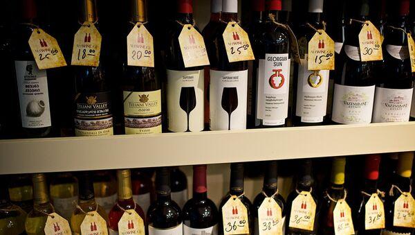ქართული ღვინო მაღაზიის დახლზე - Sputnik საქართველო