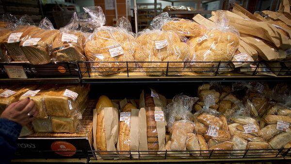 Хлебобулочная продукция в хлебном магазине - Sputnik Грузия