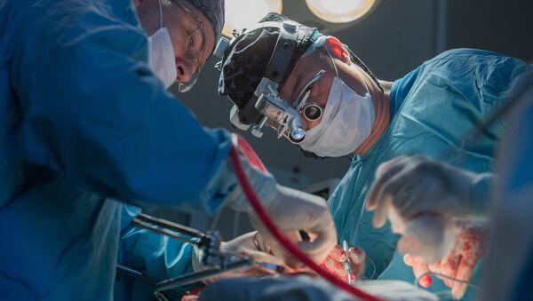 ოპერაცია უროლოგიის კლინიკაში - Sputnik საქართველო