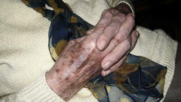ხანდაზმული ქალის ხელები - Sputnik საქართველო