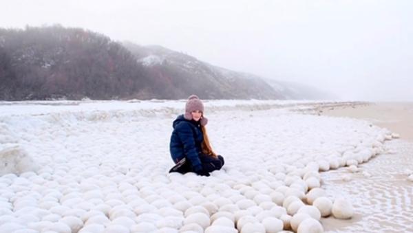 """""""თოვლი გიყვარს? - მოვა"""": რუსეთში გუნდებად მოთოვა - უცნაური სანახაობის ვიდეოკადრები - Sputnik საქართველო"""