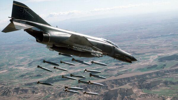 ამერიკული სამხედრო თვითმფრინავი F-4E Phantom II  - Sputnik საქართველო