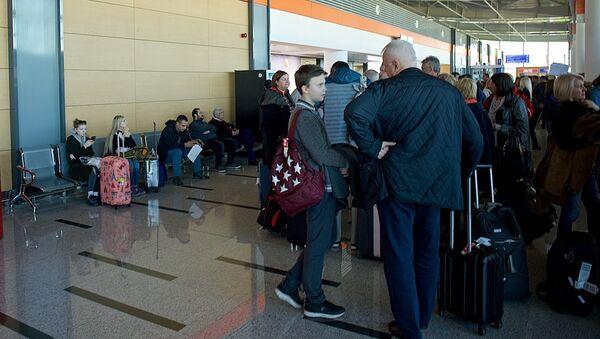 Тбилисский аэропорт - терминал прибытия - Sputnik Грузия