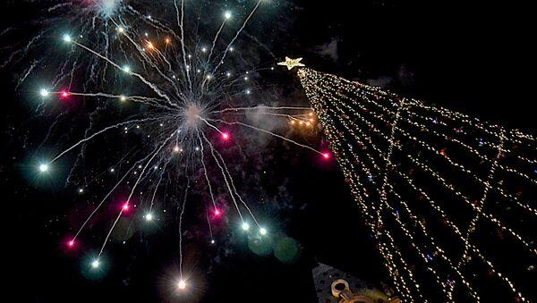 Новогодняя елка в Батуми - Sputnik Грузия