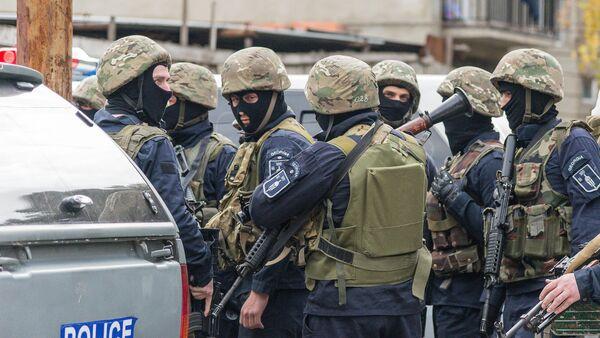Спецназ во время антитеррористической операции в столице Грузии - Sputnik Грузия