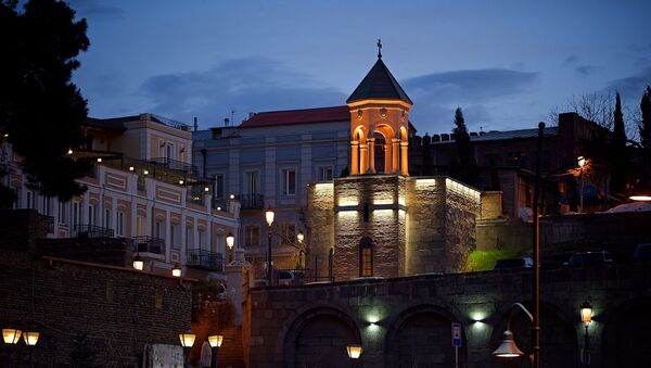 Метехская церковь в районе Авлабари - ночной вид - Sputnik Грузия