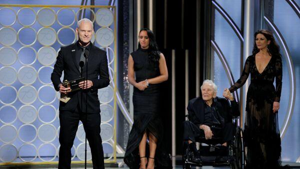 Мартин МакДонах получает премию Золотой глобус за лучший драматический фильм 2017 года Три билборда на границе Эббинга, Миссури - Sputnik Грузия