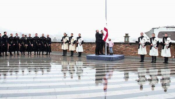 Церемония поднятия эталонного образца государственного флага Грузии - Sputnik Грузия