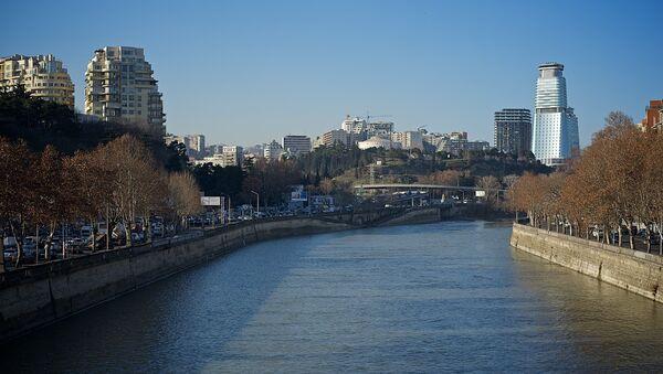 Вид на город Тбилиси - набережная зимой - Sputnik Грузия