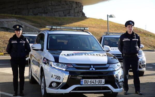 Гибридные автомобили получит патрульная полиция Грузии - Sputnik Грузия
