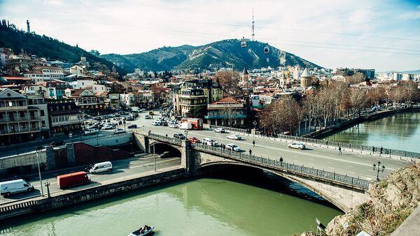 Тбилиси теплым февральским днем с видом на Старый город - Sputnik Грузия