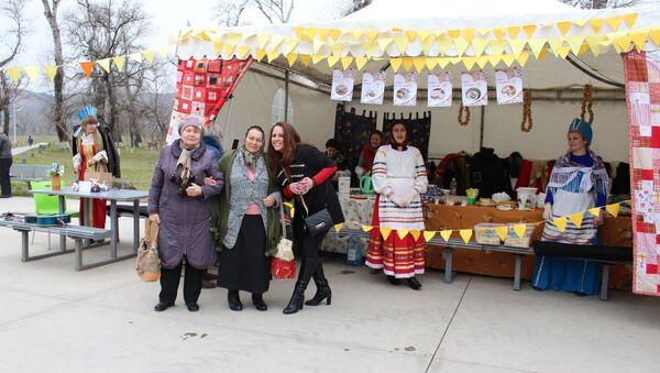 Ярмарка на празднике Масленица в городе Рустави - Sputnik Грузия