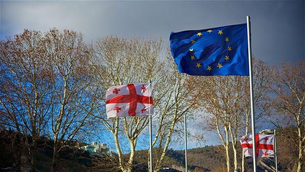 Флаги ЕС и Грузии на площади Европы - Sputnik Грузия