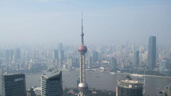 Вид со смотровой площадки Шанхайской башни в районе Пудун в Шанхае - Sputnik Грузия