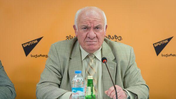 Воры в законе из Грузии могут переехать в Армению: мнение эксперта - Sputnik Грузия