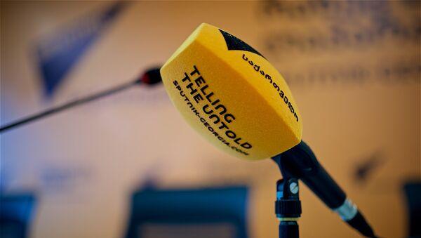 Микрофон в мультимедийном пресс-центре Sputnik Грузия - Sputnik Грузия
