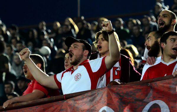 Тем не менее, итоговые 2:0 подарили массу положительных эмоций болельщикам, которые почти до отказа заполнили трибуны стадиона имени Михаила Месхи - Sputnik Грузия