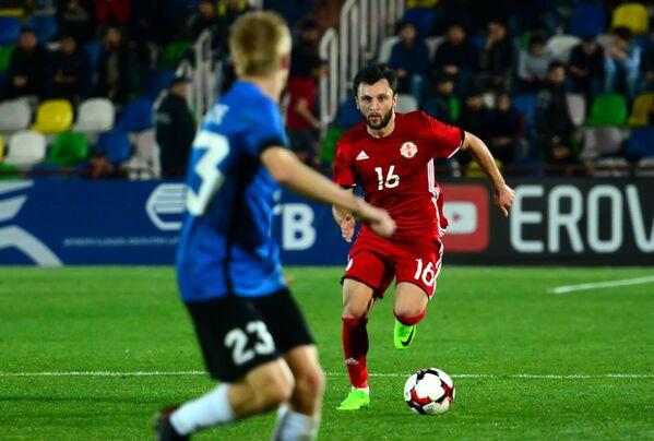 Во втором тайме сборная Грузии продолжила атаковать ворота эстонской команды, но уже не так эффективно - Sputnik Грузия