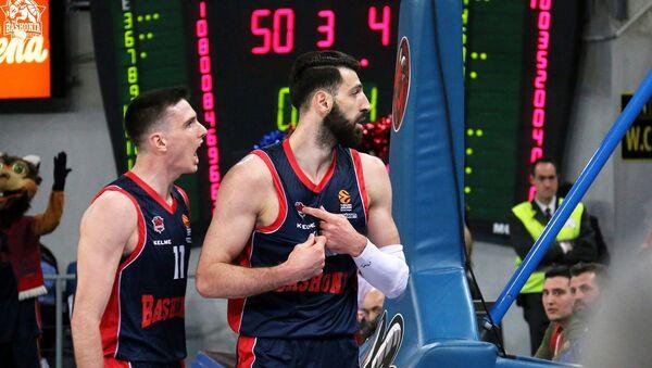 Капитан испанского баскетбольного клуба Баскония Торнике Шенгелия - Sputnik Грузия