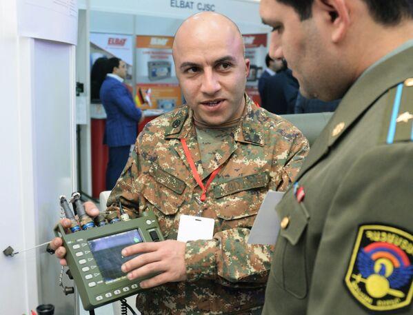 Российская портативная радиолокационная станция ФАРА-ВР, 1Л111М на международной выставке вооружения и оборонных технологий ArmHiTec-2018 в Ереване - Sputnik Грузия