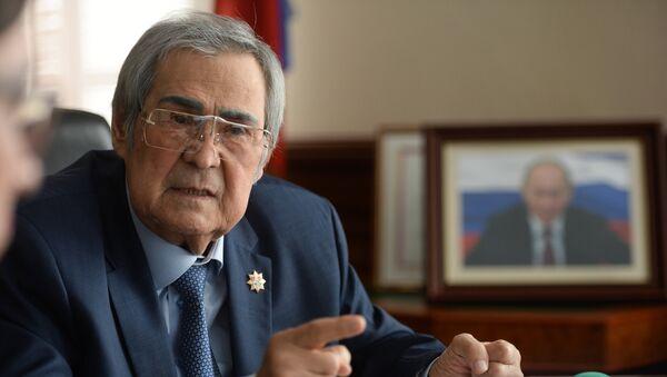 Губернатор Кемеровской области А.Тулеев - Sputnik Грузия