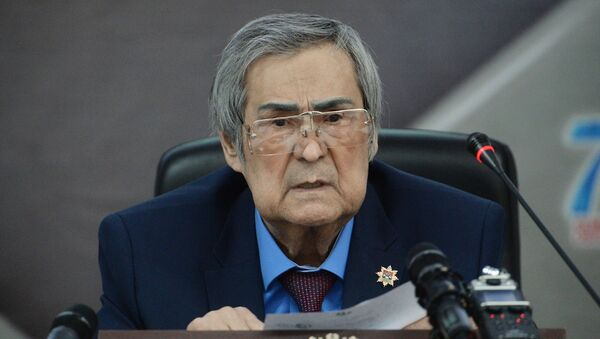 Депутат Совета народных депутатов Кемеровской области Аман Тулеев - Sputnik Грузия