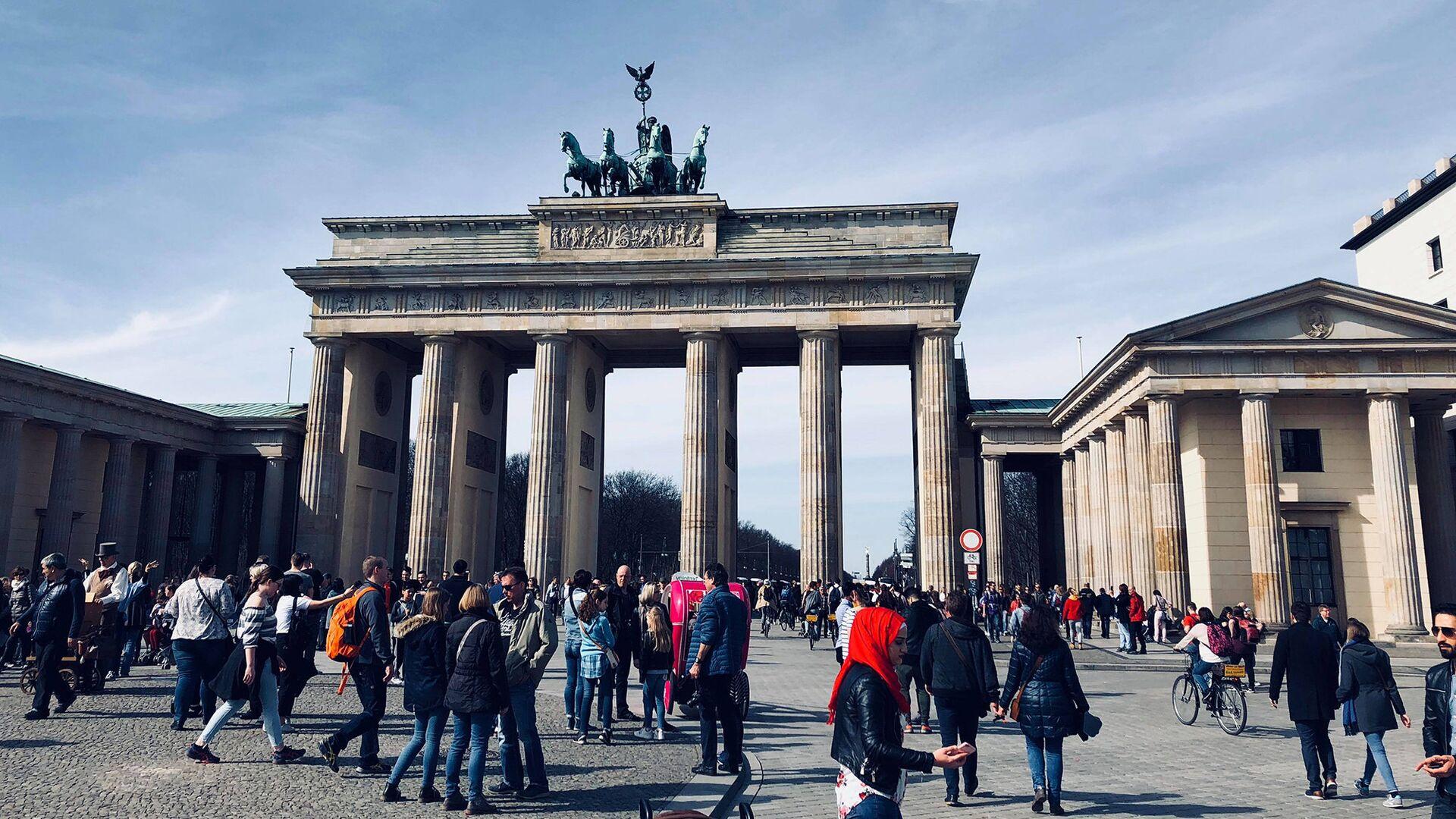 Бранденбургские ворота в Берлине - Sputnik Грузия, 1920, 28.09.2021