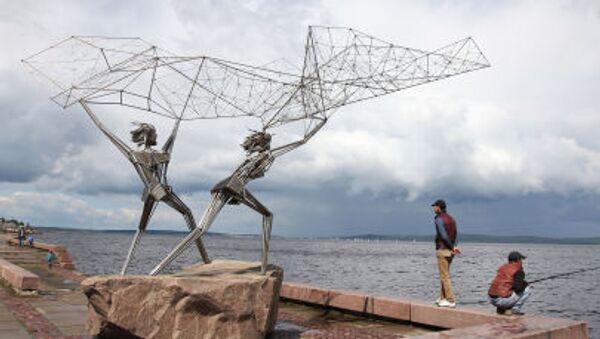 """ქანდაკება """"მეთევზეები"""" პეტროზავოდსკში სანაპიროზე - Sputnik საქართველო"""