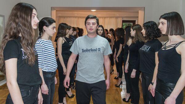 Рубрика : Журналист меняет профессию - модель - Sputnik Грузия