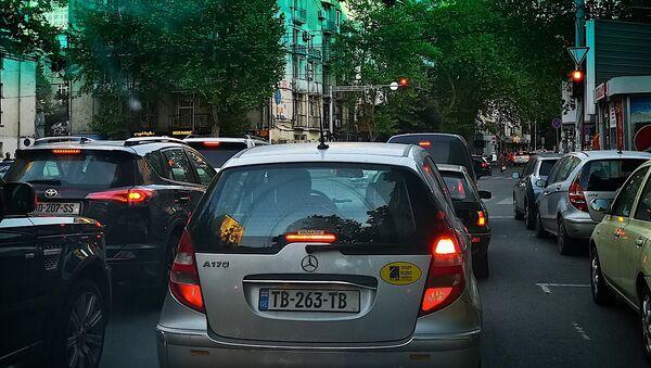 Пробка из машин на улице Шартава в Тбилиси - Sputnik Грузия