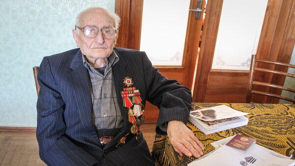 Ветеран ВОВ Хажак Еприкян - Sputnik Грузия