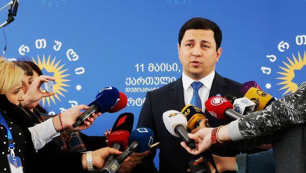 Арчил Талаквадзе дает интервью журналистам - Sputnik Грузия