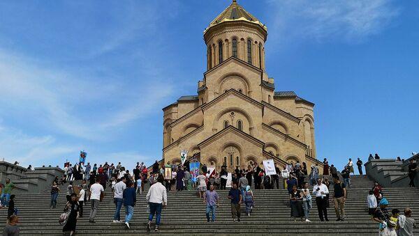 Храм Святой Троицы - Самеба в Самеба в день сплоченности и святости семьи - Sputnik Грузия