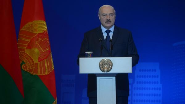 Александр Лукашенко выступил на открытии пленарной сессии форума Минский диалог - Sputnik Грузия