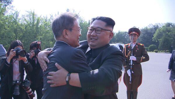 Лидеры Северной и Южной Корей провели новую встречу - Sputnik Грузия