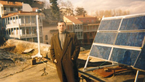 90-იანი წლები, ნუგზარ მელაძე და ტექნოლოგიური სიახლე - მზის სელექტორები - Sputnik საქართველო
