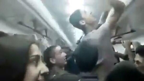 ირანელი, ერაყელი და ინდოელი მიგრანტები თბილისის მეტროში - Sputnik საქართველო
