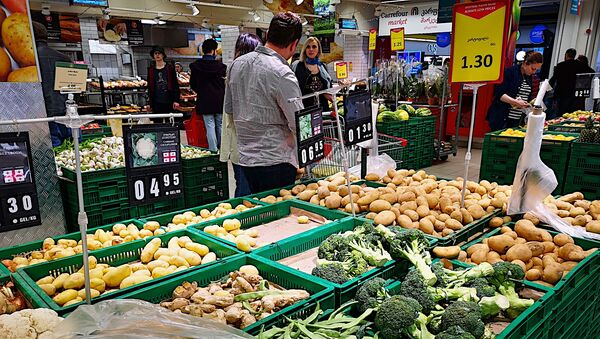 Овощи в супермаркете - Sputnik Грузия