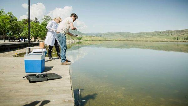 Проверка качества воды на озере Лиси - Sputnik Грузия
