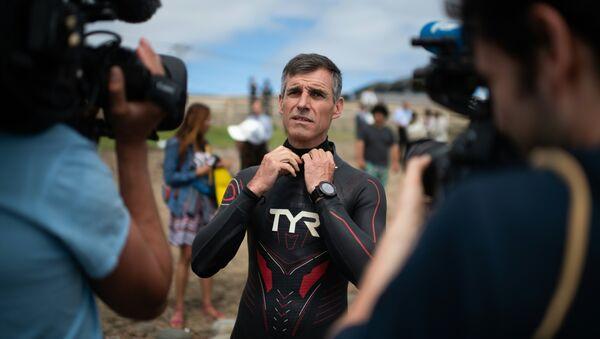 Французский марафонский пловец Бенуа «Бен» Лекомт готовится в Чоши, префектура Тиба - Sputnik Грузия