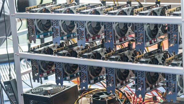 Оборудование для майнинга на международной конференции Blockchain & Bitcoin Conference Georgia 2018 - Sputnik Грузия