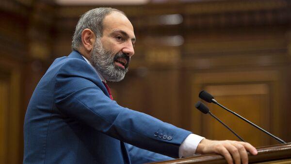 Премьер-министр Армении Никол Пашинян в Парламенте (7 июня 2018). Еревaн - Sputnik Грузия